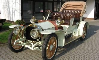 """Jedan od najstarijih """"mercedesa"""" prodat za £720.000"""