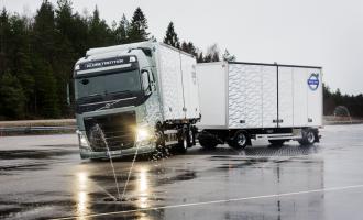 Volvo Trucks povećava bezbednost na klizavim putevima