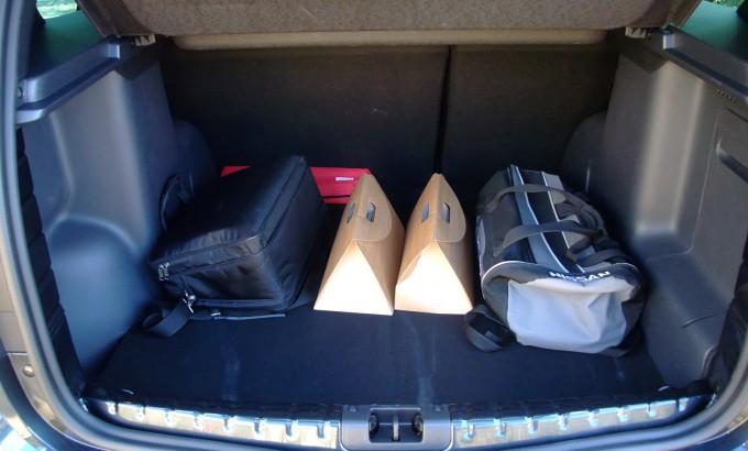 Kao i do sada, zapremina prtljažnika se razlikuje kod 4x2 i 4x4 verzije; u obe odgovara porodičnim potrebama