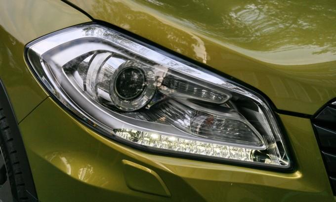 LED dnevna svetla i ksenonski farovi