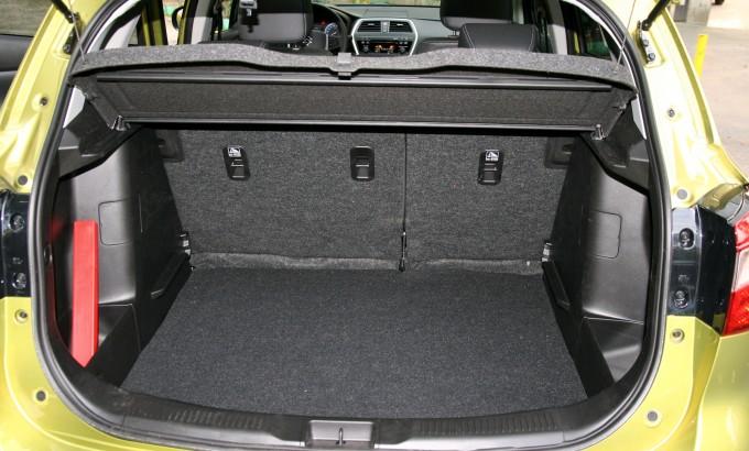 Prtljažnik u verziji sa pogonom na svim točkovima ima osnovnu zapreminu od 440 litara