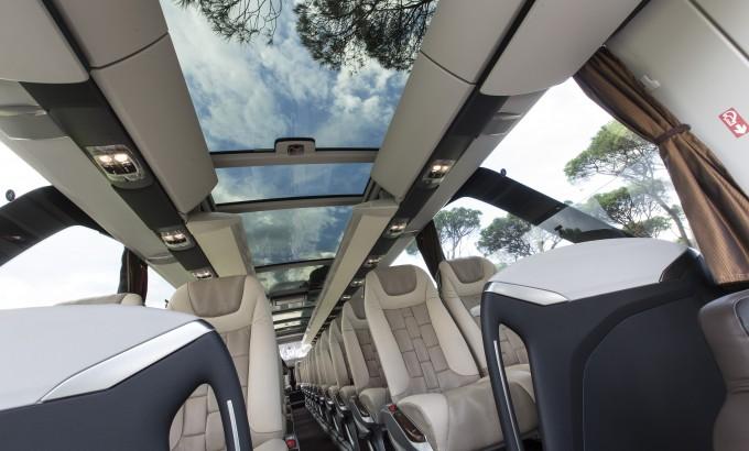 Prvi put u autobusu moderni stakleni panoramski krov