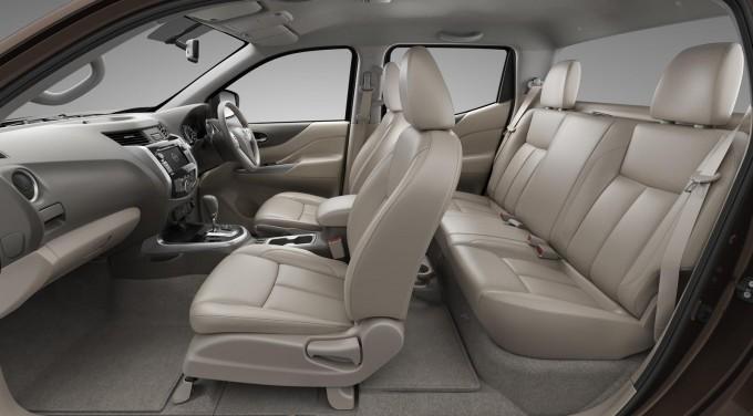 Auto magazin Nissan Navara 2