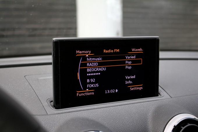 Ekran po želji možete da uklonite sa komandne table