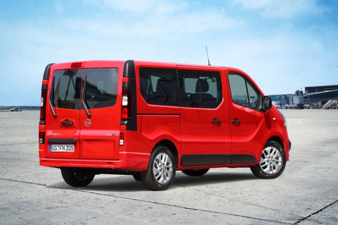2014 09 16_Opel-Vivaro-kombi-2