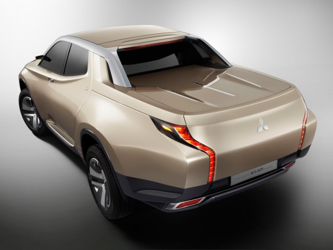 Auto magazin Fiat Mitsubishi pick-up 3