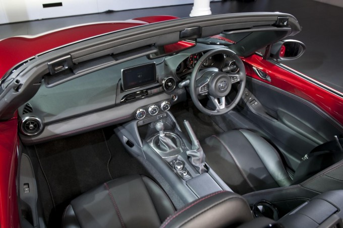 Auto magazin Mazda MX-5 1