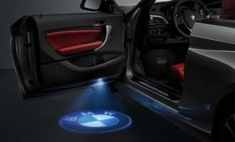 LED projektor u vratima BMW serije 2 kabrio