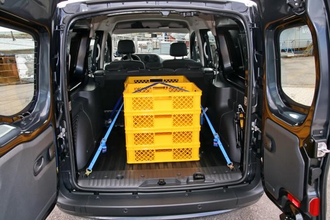 Miksto ima vrlo veliki prtljažnik, idealan za odlazak radnika na teren