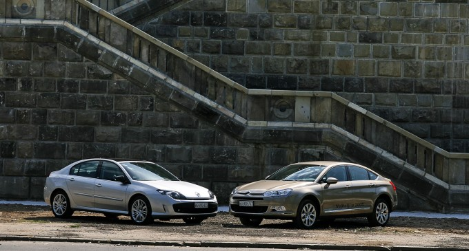 Uporedni test: Renault Laguna GT 2,0 dCi vs. Citroen C5 2,2 HDi