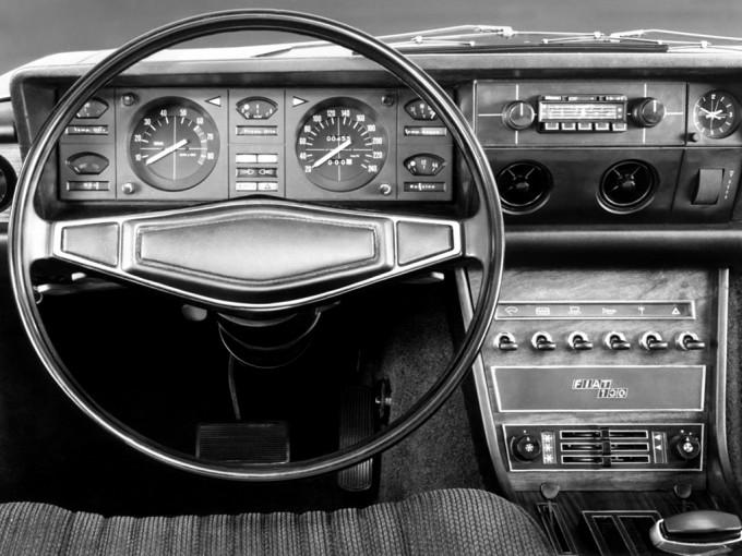 Restilizovana limuzina je dobila instrumente iz kupea