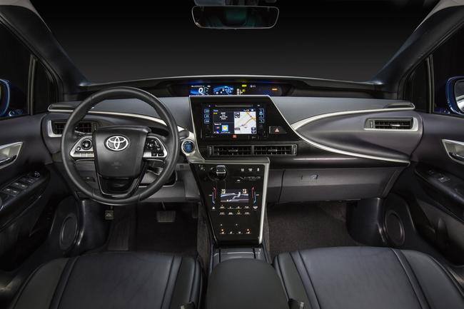 2016_Toyota_Fuel_Cell_Vehicle_006__mid