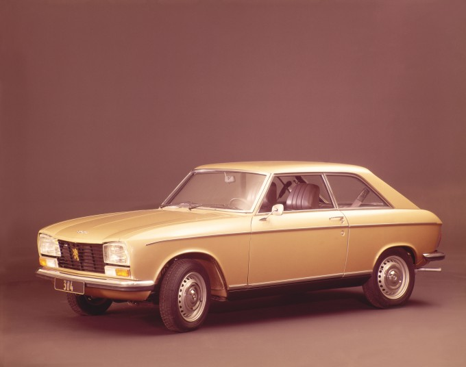 304coupe_1975_01