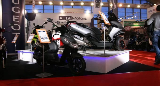 Peugeot skuteri na Motopassion