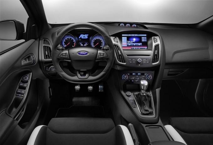 auto magazin ford focus RS geneva