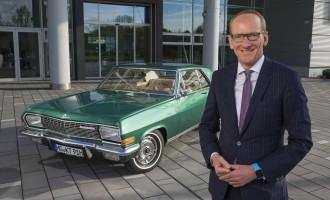 Evo šta vozi prvi čovek Opela, dr Karl-Thomas Neumann