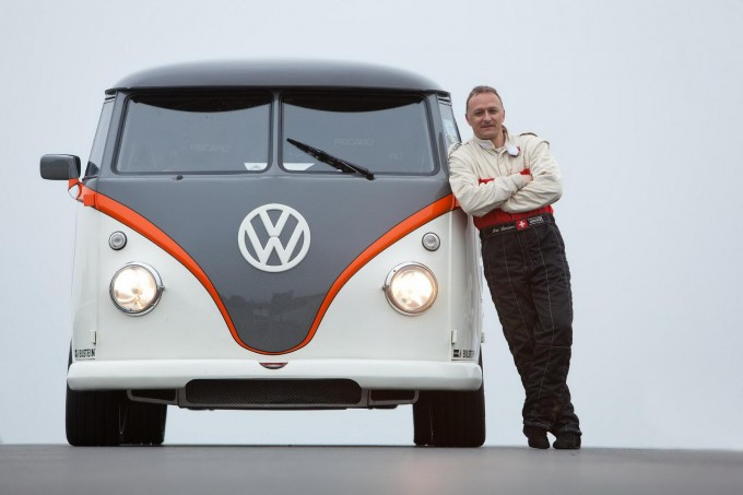auto magazin Volkswagen T1 transformed into a 530 PS monster 2