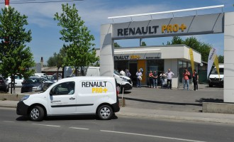 Karavan Renault dostavnjaka u AK Kompresor