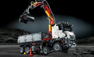 Da li biste slagali Lego Mercedes Arocs 3245?