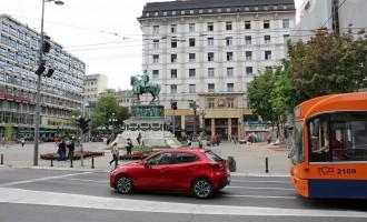 Test: Mazda 2 G115 Revolution Top