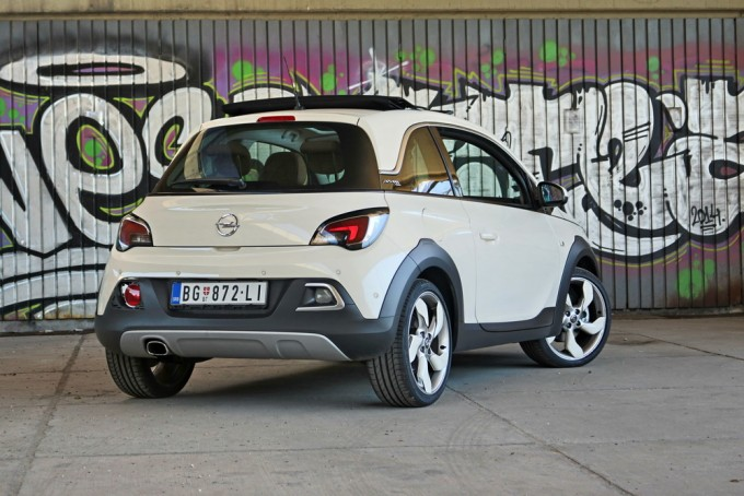 magazinauto.com opel adam rocks 2015 test