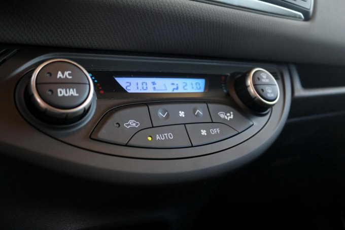 Auto-magazin-toyota-yaris-hybrid-hsd-027