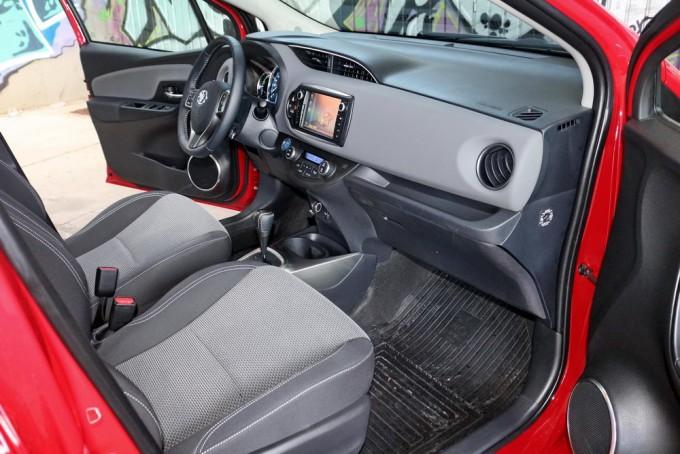 Auto-magazin-toyota-yaris-hybrid-hsd-04-