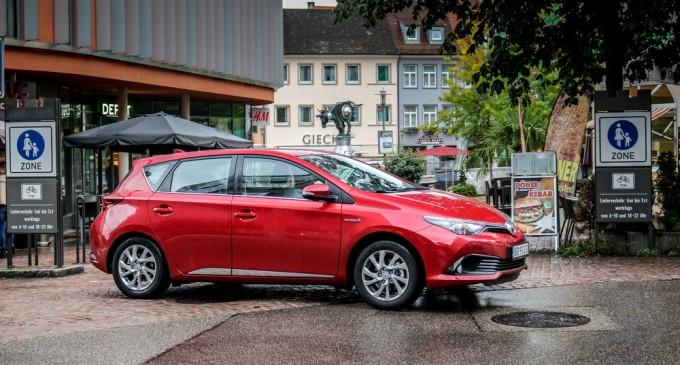 Do Frankfurta i nazad: Toyota Auris Hybrid Style