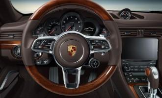 Kako vam se sviđa Porsche 911 sa detaljima od drveta?