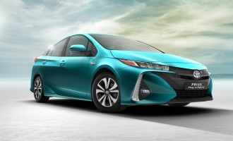 Toyota predstavila Prius 4 plug-in hybrid