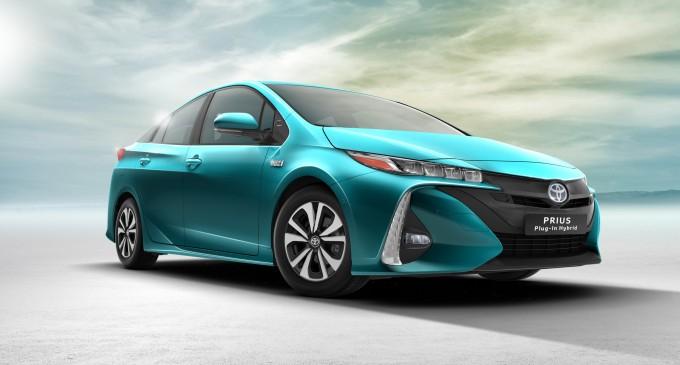 2017_Toyota_Prius_Plug_in_Hybrid_01-680x