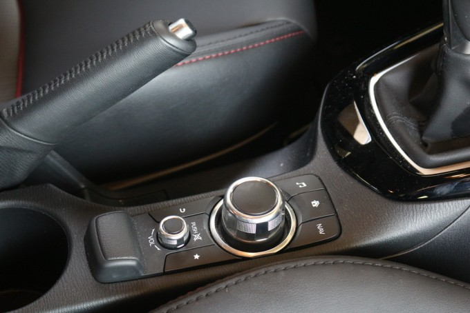 Auto magazin srbija mazda cx-3 g120 test