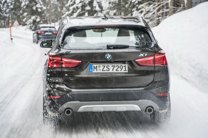 magazinauto.com bmw x1 na snegu snow promocija 2016 preview
