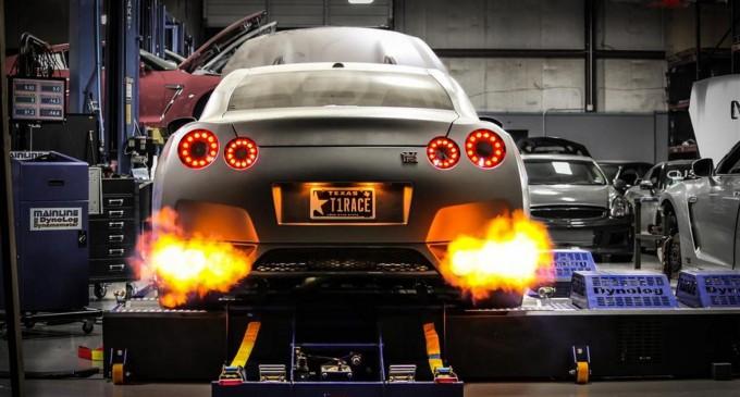Nissan GT-R sa 2.438 konja postavio rekord na 400 metara