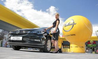 Opel Astra i poklon iPhone SE čekaju kupca u Nišu
