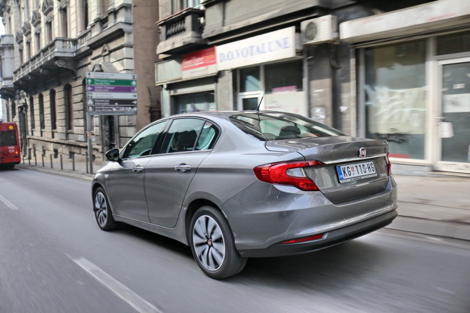 Auto magazin fiat tipo sedan limuzina 4dr 2016 1,6 mjet2 test review