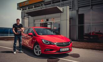 Od danas Čaba Silađi vozi Opel Astru K