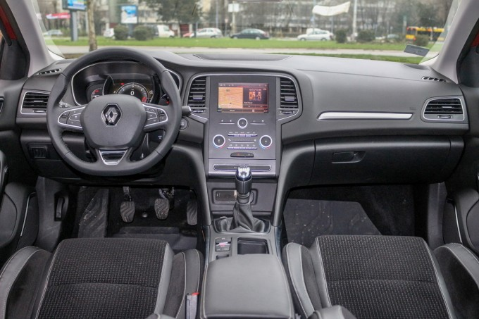 test renault megane 4 intens 1 5 dci 110 auto magazin. Black Bedroom Furniture Sets. Home Design Ideas
