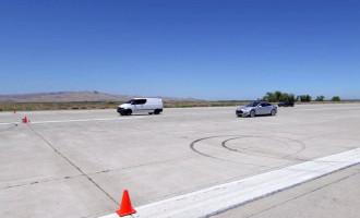 Mercedes Vito brži od Ferrarija California T i Tesle Model S