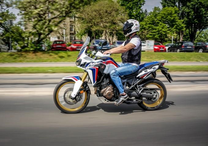 Auto magazin srbija honda africa twin moto test review 2016