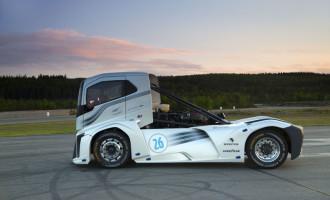 Ovo je najbrži kamion na svetu!