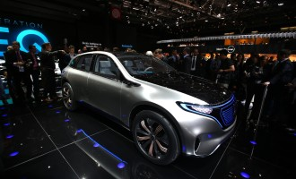 Premijera Pariz 2016: Mercedes Generation EQ