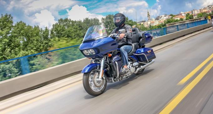 Vozili smo: Harley Davidson CVO Road Glide Ultra