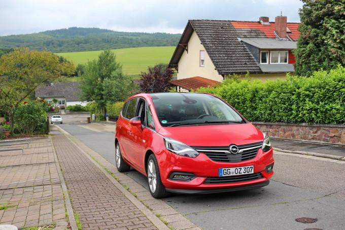 Auto magazin srbija Opel Zafira promocija preview 2016