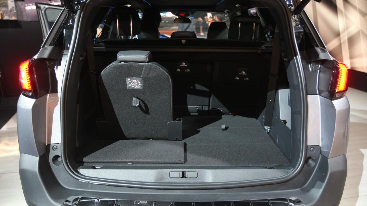premijera pariz 2016 peugeot 5008 auto magazin. Black Bedroom Furniture Sets. Home Design Ideas