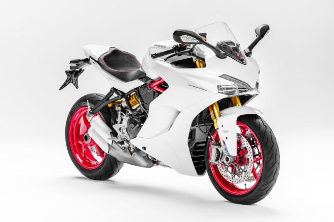 Auto magazin Ducati SUPERSPORT S