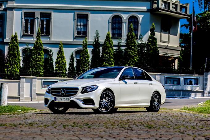 Auto magazin Mercedes E220d test 2016 07