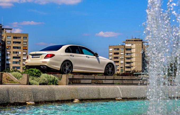 Auto magazin Mercedes E220d test 2016 08