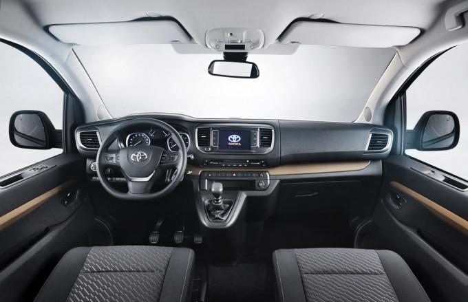 Auto magazin Toyota proace verso preview 2016 011