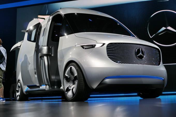 Auto magazin mercedes vision van promocija 2016 preview
